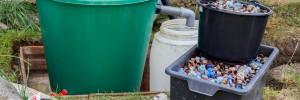 Tószűrő házilagosan esővízgyűjtő tartályból, visszafolyás gátló megoldással.